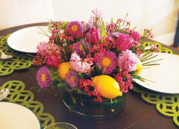 Квіткова композиція з весняних квітів