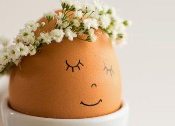Фарбуємо яйця до Великодня: 30 простих ідей для кожного