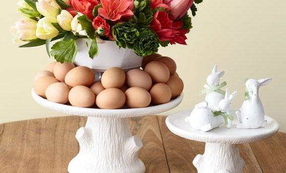 Пасхальна композиція із квітів та яєць. Покроково