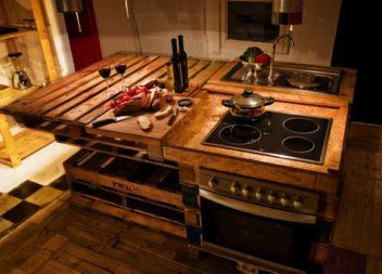 37 способів використати піддони та ящики як меблі та декор