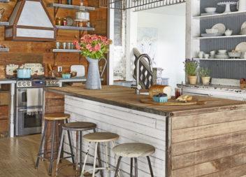 40 ідей інтер'єру кухні: стіл у центрі кімнати