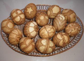 Декор пасхальних яєць дротом. 25 неймовірних ідей