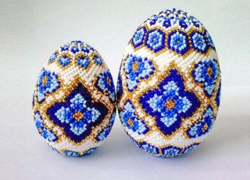 Плетіння великодніх яєць із бісеру. 30 ідей