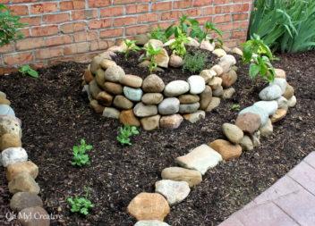 Декоруємо сад та подвір'я камінням. 20 ідей