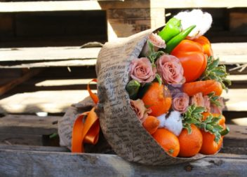 Букети з фруктів та овочів: 20 ідей для подарунку