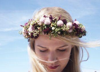 Віночки та обручі з квітами: 10 майстер-класів