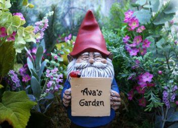 15 чарівних садових гномів