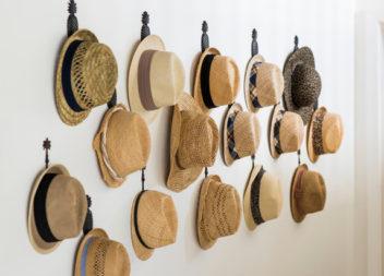 16 ідей для зберігання кепок та капелюхів