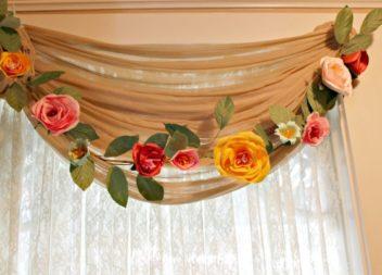 Квіткові гірлянди: 21 ідея до свят та декору