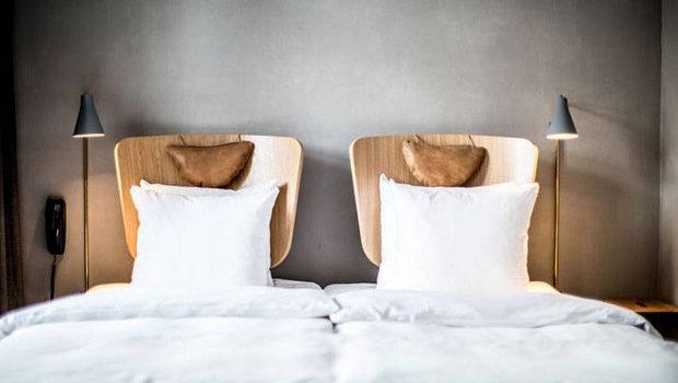 Декоруємо простір над ліжком: 25 фото-ідей