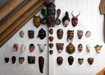 Африканські маски: 21 ідея для декору стін