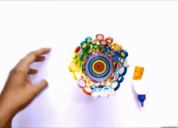 Робимо стакан для ручок своїми руками: відео-урок