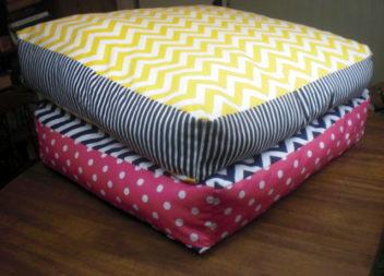 Подушки на підлогу: 21 ідея для інтер'єру