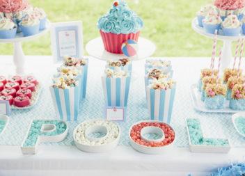 Дитячий день народження в басейні: декор та деталі