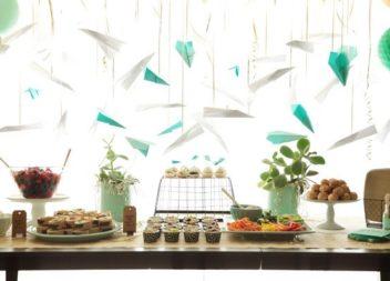 Декоруємо паперовими літаками: 16 ідей