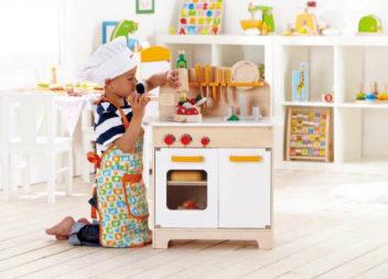 17 чудових іграшкових кухонь