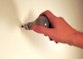 16 оригінальних ідей гачків на стіну