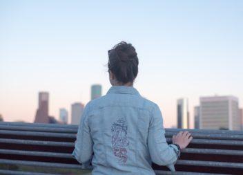 Як нанести візерунок на джинсовий жакет: фото-урок