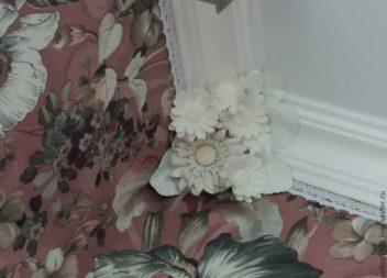 Декоруємо стелю квітами: фото-урок