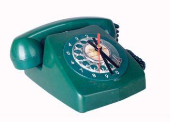 Перетворюємо старий телефон у годинник