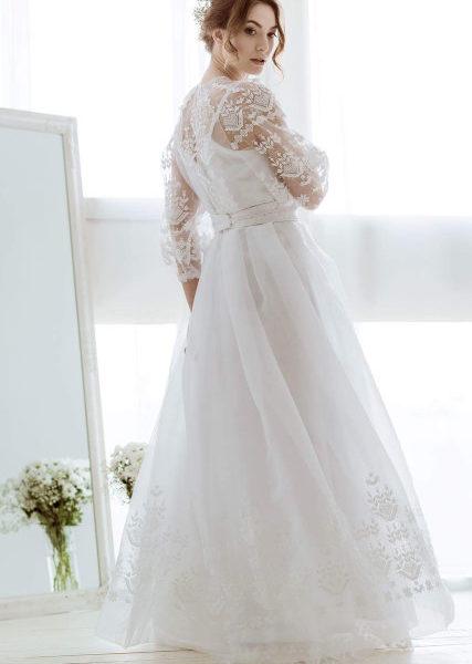 Сукні в українському стилі від українського дизайнера Оксани Полонець 746ef1f1394cd