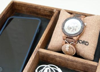 Дерев'яна коробка для подарунків