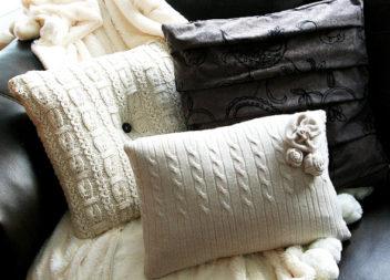 Декоруємо подушку теплим светром. Майстер-клас