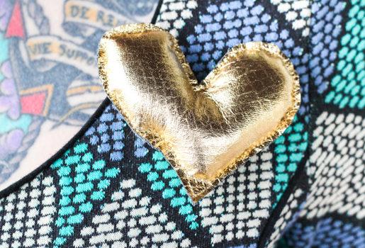 Ідея брошки: робимо сердечко