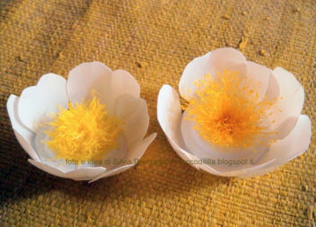 Ідея переробки: квіти з пластмасового відерця