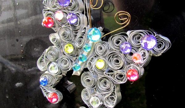 Метелик з алюмінієвої форми для випічки
