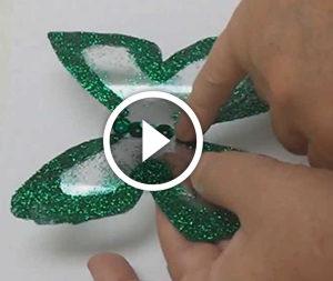 Метелик з пластикової пляшки