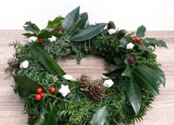 Різдвяний вінок з ялинових гілок