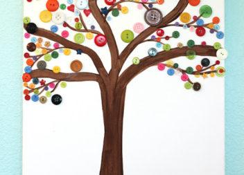 Рукоділля з дітьми: ґудзики на дереві