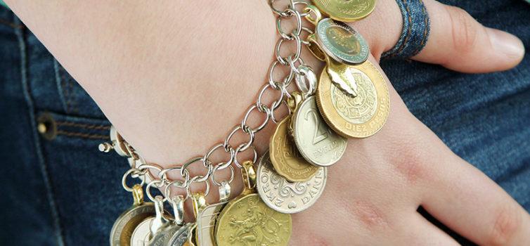 Ідея для туристів: браслет з монет