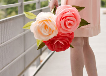 Гігантська троянда з паперу: покроковий майстер-клас
