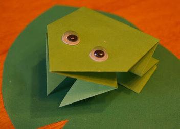 Жабка-пострибунка: вивчаємо орігамі