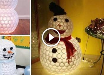 Сніговик з пластикових стаканів: відео-урок