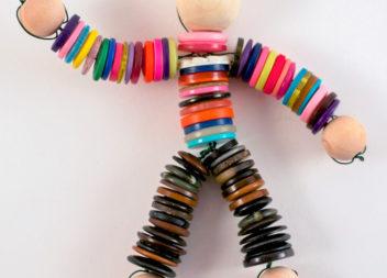 Лялька з ґудзиків