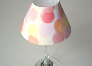 Лампа з келиха: ідея сервірування столу