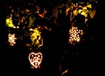 Імпровізовані світильники з залізних банок
