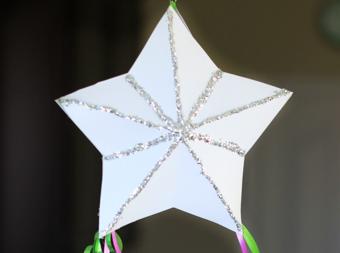 Новорічна зірка з паперу