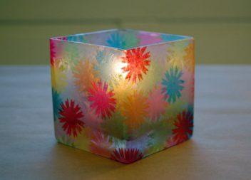 Декор склянки: техніка декупаж