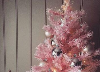 Натхнення кольором: рожеві ялинки