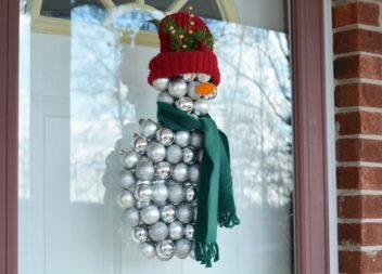Робимо сніговика із ялинкових прикрас: детальний майстер-клас