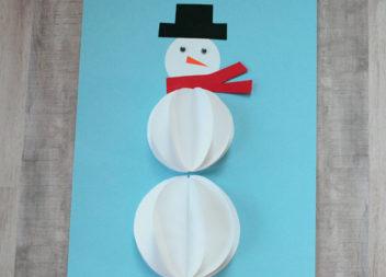 Сніговик з паперу: дитяча творчість