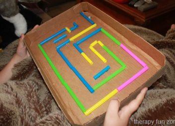 Гра з кокейльних трубочок : розвага для дітей