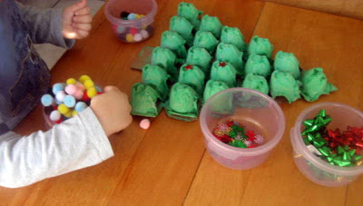 Яєчні лотки: новорічна ялинка