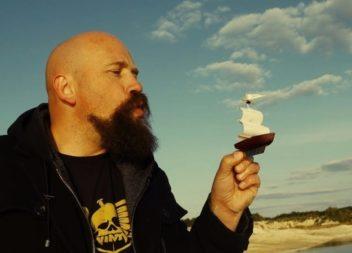 Як зробити кораблик з вітрилами своїми руками? Майстер-клас від Юрія Журавля (відео)