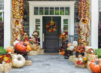 Ідеї осіннього декору для двору (13 фото ідей)