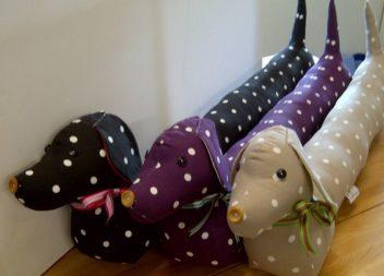 Текстильні собачки-подушечки: ідеї та викрійки